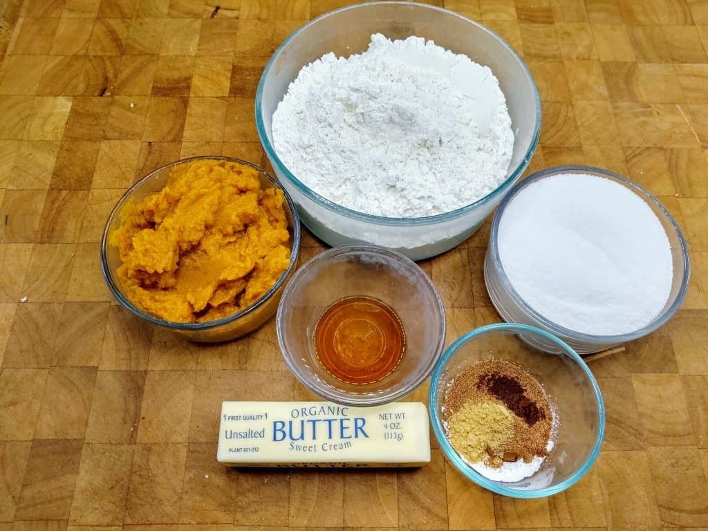 how to make pumpkin bread ingredients displayed